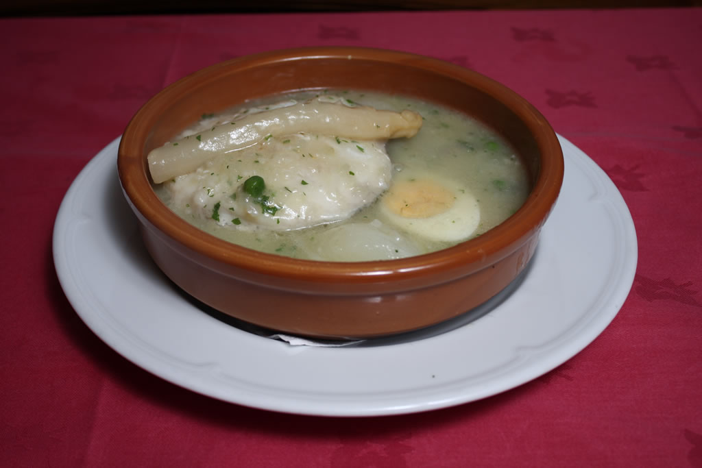 Merluza a la vasca o salsa verde